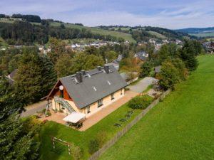 unser Ferienhaus in Schwarzenberg Ortsteil Pöhla mit 3 Ferienwohnungen