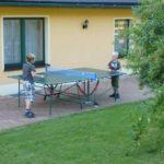 unsere Tischtennisplatte wartet im Gartenhaus auf ihren Einsatz